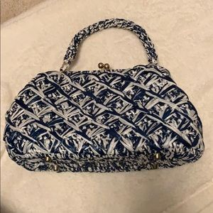 Vintage straw raffia bag. Blue and white.